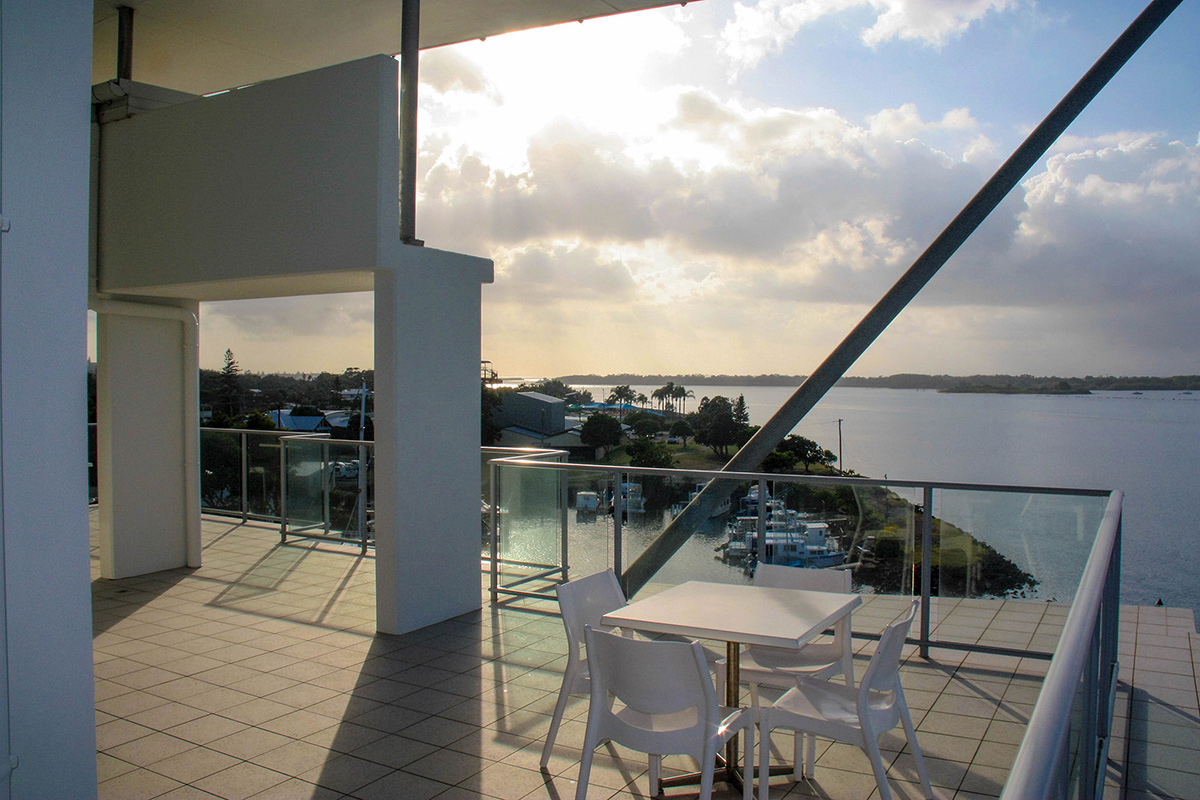 608 7 balcony east ramada hotel suites ballina byron news for Balcony restaurant byron